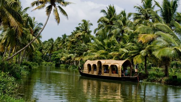 10-best-nature-images-hd-in-india-2-kerala-backwaters-600x338